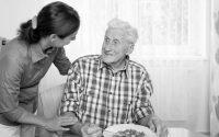 """""""Soli mai"""", un gruppo di giovani volontari si prende cura degli anziani fiorentini"""