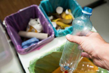 come pulire il bidone della spazzatura