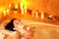 Bagno caldo serale, concilia il sonno e scioglie i muscoli. Ottimo anche per la circolazione