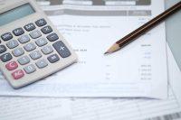 Bollette elettriche evase, ma perché il conto lo devono pagare i consumatori?
