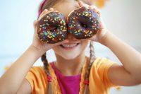 Merendine e snack, al fegato dei bambini producono gli stessi danni dell'alcol