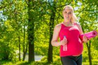 Esercizi fisici in gravidanza: come ridurre la durata del travaglio praticando lo sport giusto