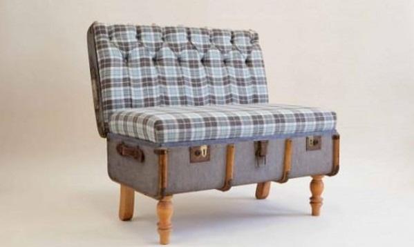 Vecchie valigie: con il riciclo creativo si trasformano in comodini, divani e curiose scrivanie vintage con cui arredare la casa (foto)