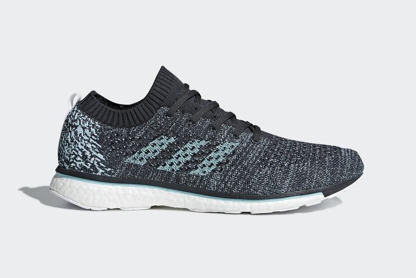 scarpe da ginnastica con plastica riciclata
