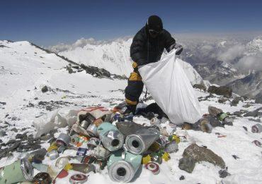 rifiuti monte everest