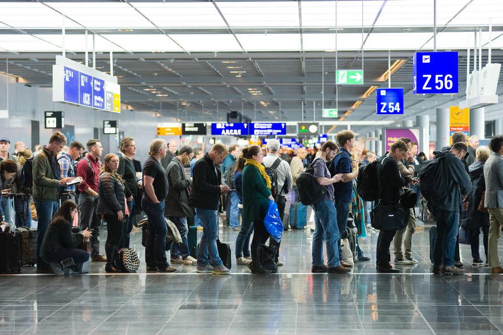 come evitare code in aeroporto