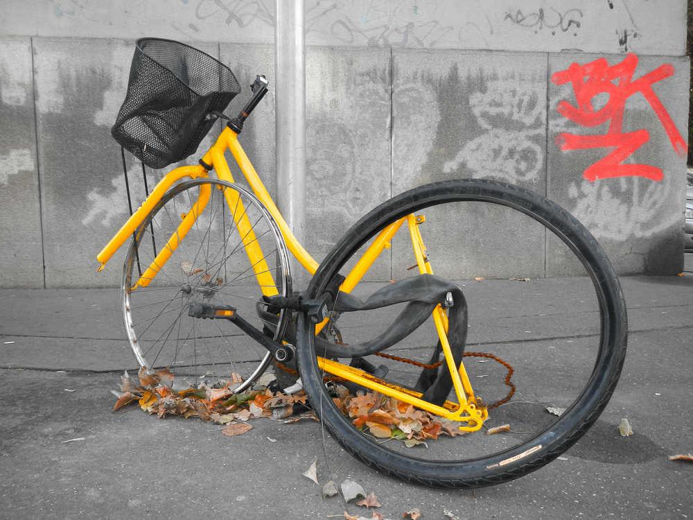 Come evitare furti di biciclette: la soluzione più moderna è un'app con dispositivo GPS