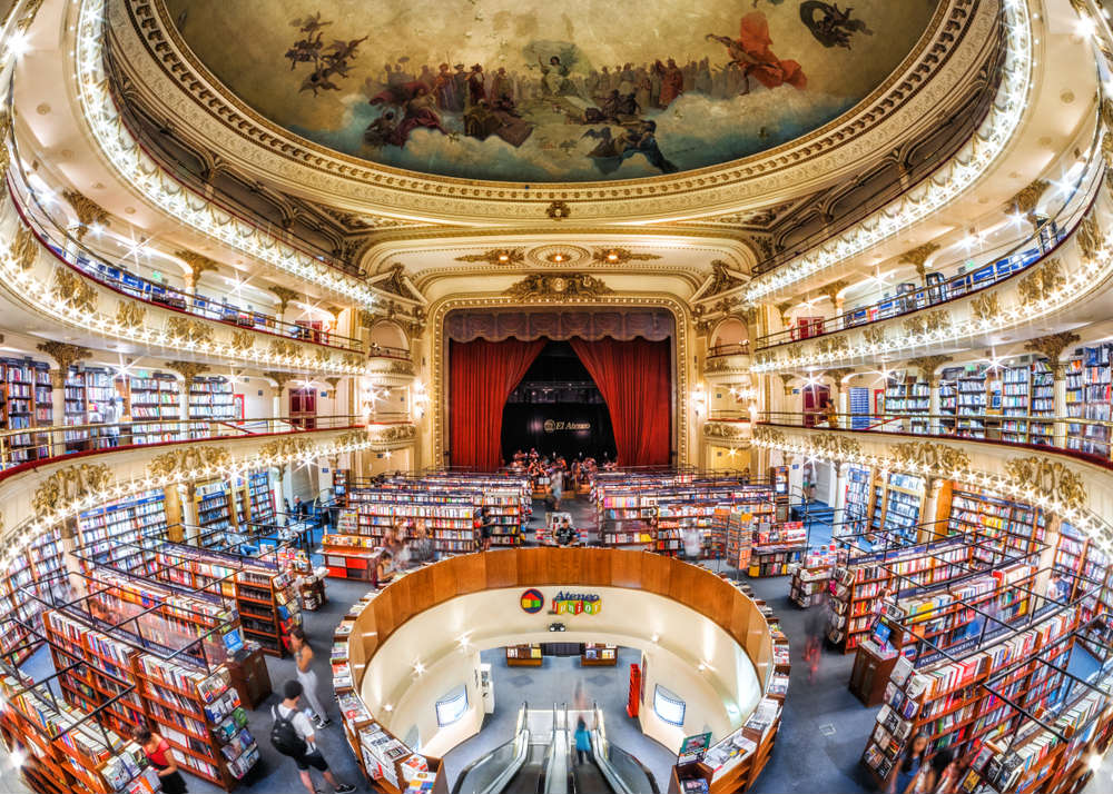 Le 10 librerie più belle del mondo: da Venezia a New York, luoghi unici e fuori dal tempo (foto)