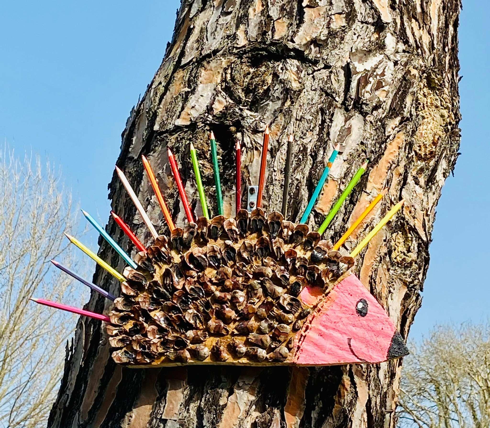 Opere d'arte con legno recuperato Fondazione Stella Maris