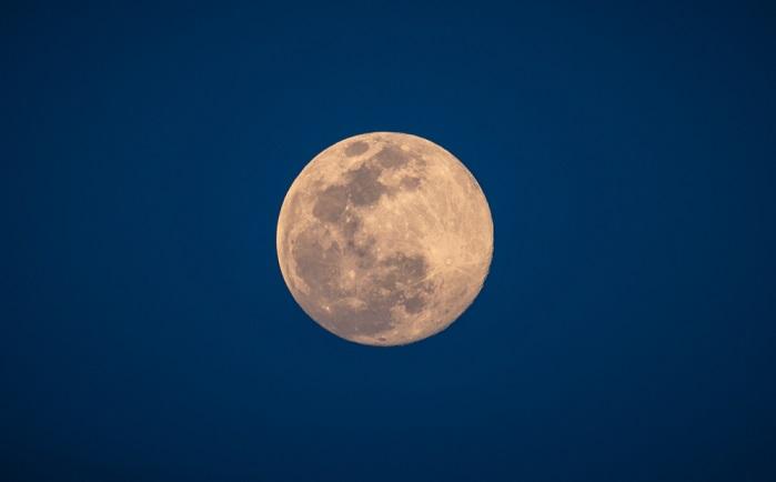 Superluna rosa: questa notte lo spettacolo della Luna piena di aprile più vicina alla Terra