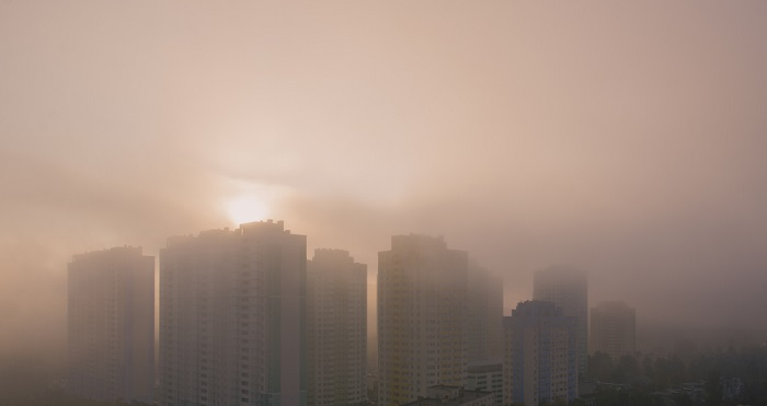 Covid-19 e inquinamento, il 15 per cento dei morti italiani per il virus sono legati al fattore smog