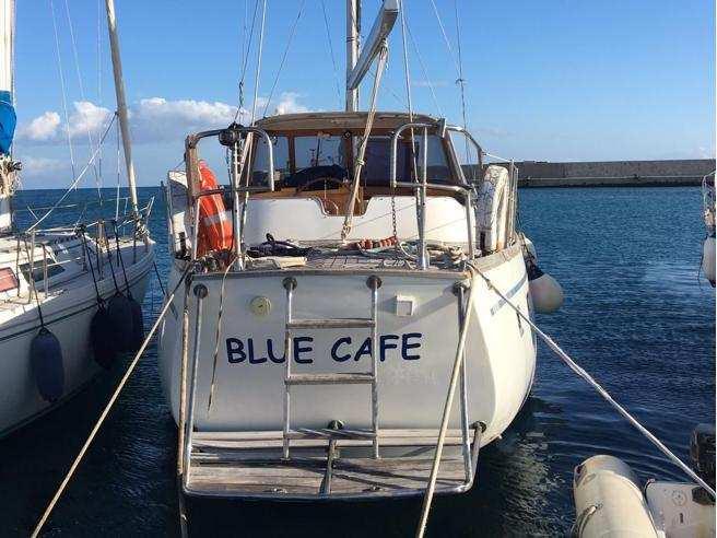 barca etica blue cafè