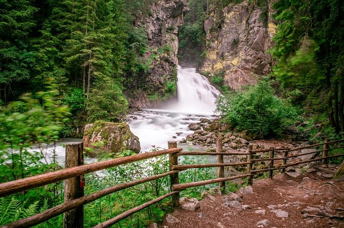 Passeggiate lungo i fiumi, le più belle in Italia. Regione per regione, dal Trentino alla Sicilia