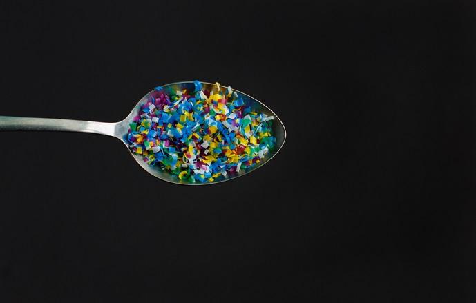 Legge contro le microplastiche. Il divieto c'è ma i tempi si allungano