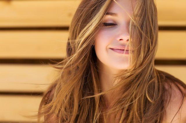 Benefici della vitamina H per la salute dei capelli