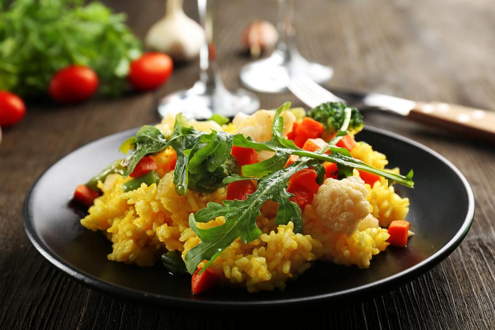 Riso basmati con curry e frutta: la ricetta per preparalo velocemente