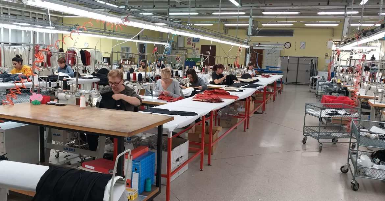 operaie salvano il centro moda polesano