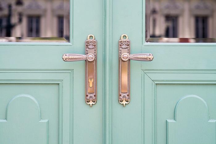 come riciclare le maniglie delle porte