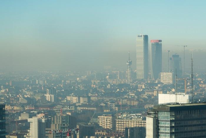 Inquinamento atmosferico, così viviamo due anni in meno. E le morti premature sono 9 milioni