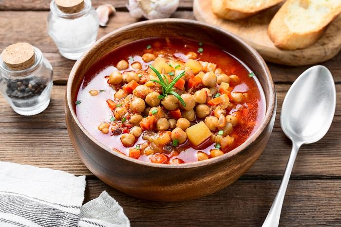 ricetta zuppa di ceci con cavolo nero